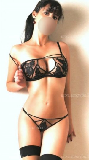 Fatina escort massage tantrique