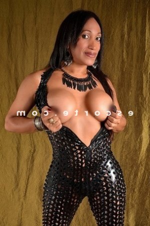 Tyffaine massage lovesita escorte girl